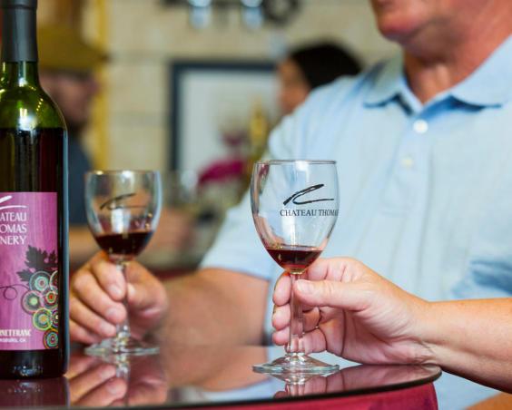 Chateau Thomas Winery - Tasting