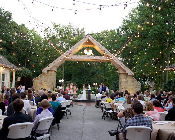 Lizton Lodge - Outdoor Ceremony