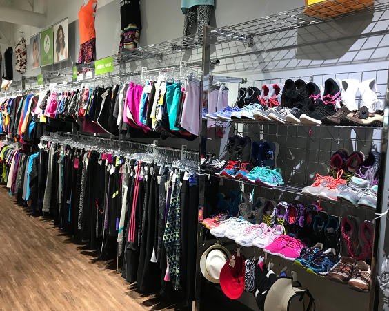 Simply Chic in Plainfield, Indiana - Clothing