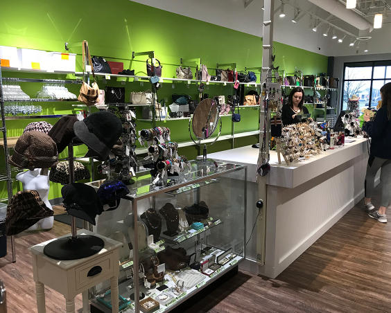 Simply Chic in Plainfield, Indiana - Accessories