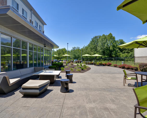 SpringHill Suites - Outdoor Seating