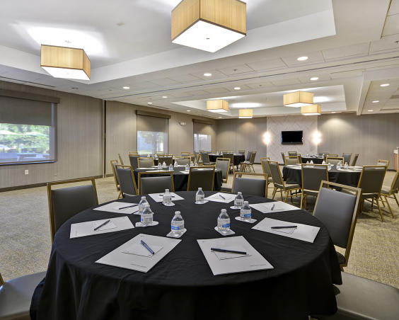 SpringHill Suites - Banquet Room