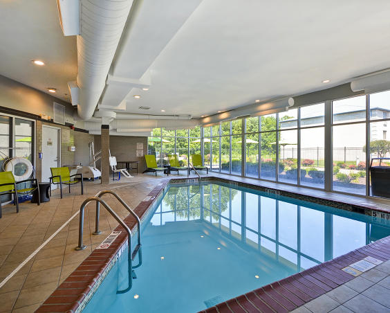 SpringHill Suites - Indoor Pool
