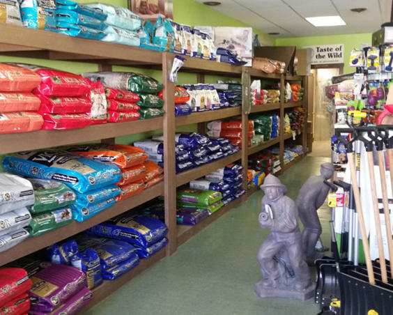 Big Tuck's Feed and More - Pet Food