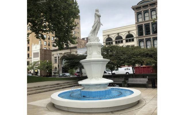 Marquis De Lafayette Fountain