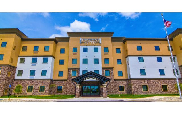 Staybridge Suites Entry