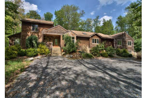 Poconos Vacation Rentals Accommodations With The Comforts
