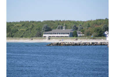 Seaside Inn - Directly on Kennebunk Beach