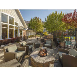 Outdoor Patio & Grill Area