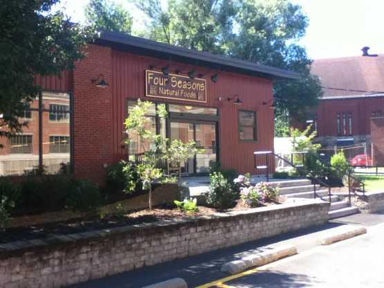 Four Seasons Natural Foods Store