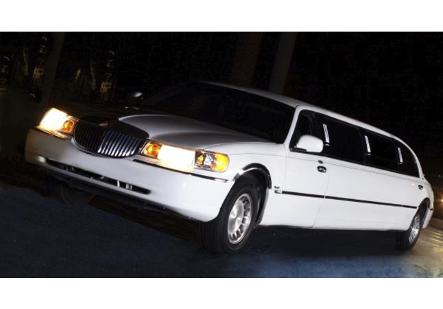 10 Passenger Lincoln Town Car