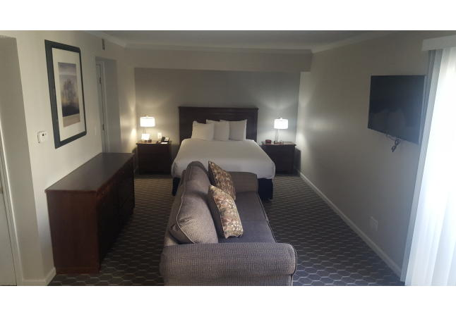Upgraded Queen Suite