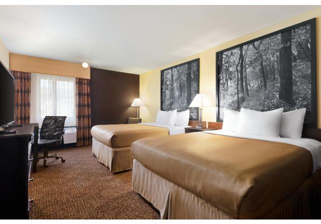 Classic 2- Queen beds