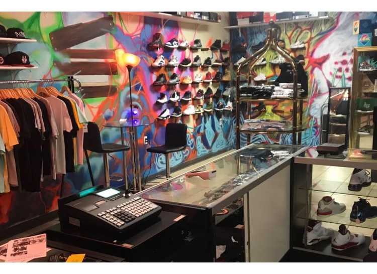 Loot House Clothing & Shoe Consignment