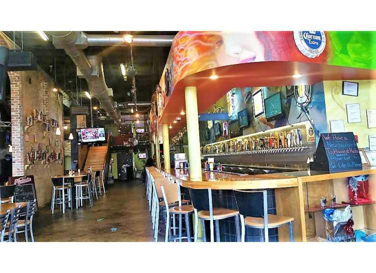 Huske Sports Bar