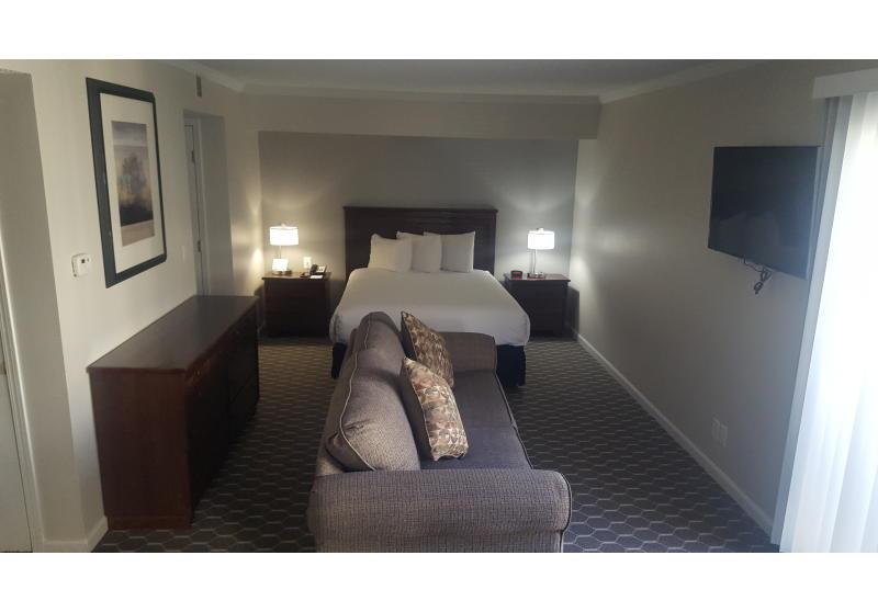 Upgraded Queen Suite