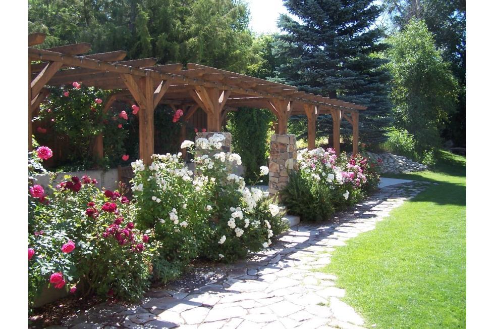 alpine arts gardens