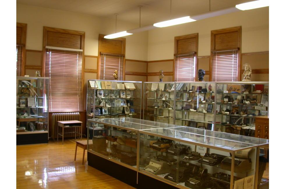 Pioneer Artifacts from the Peteetneet Museum