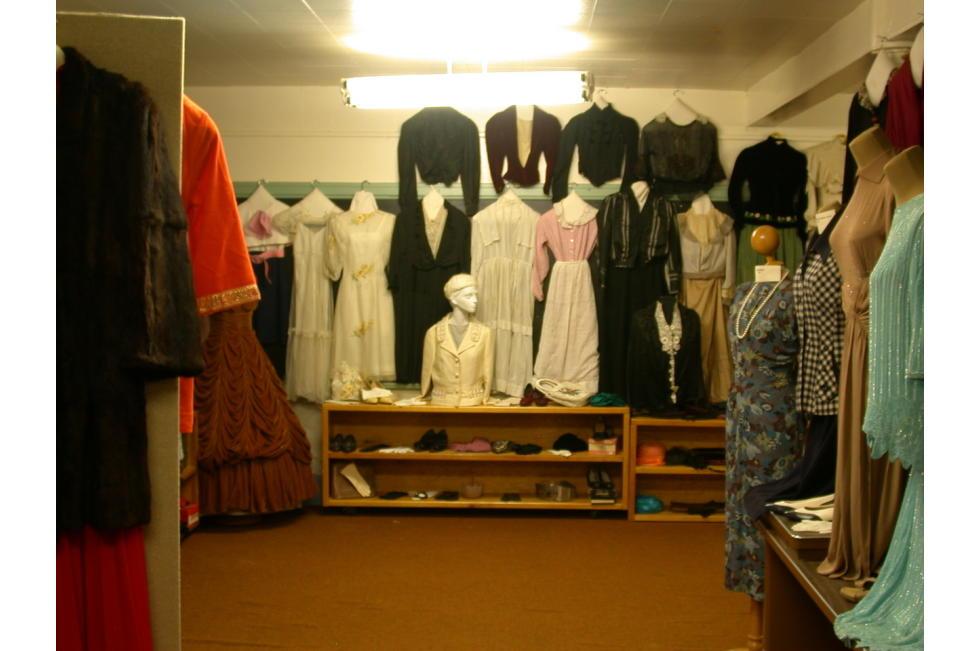 Old Dresses at the Peteetneet Museum