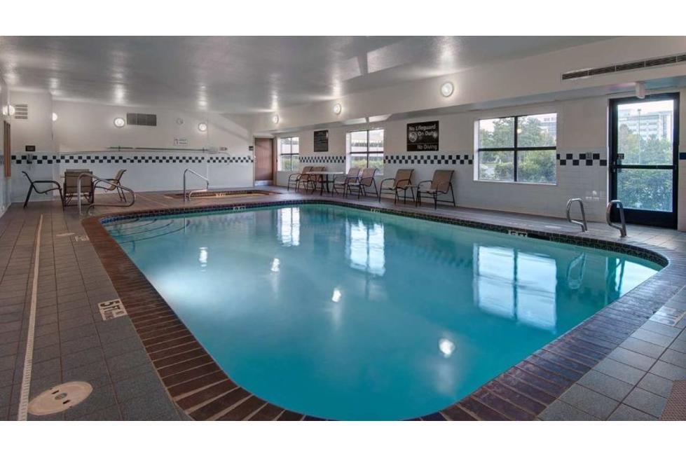 Hampton Inn Provo Pool