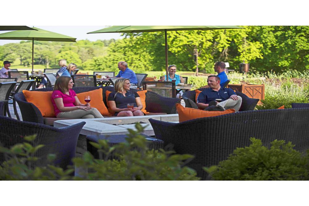 rsz_ze1_4142_golf_patio.jpg