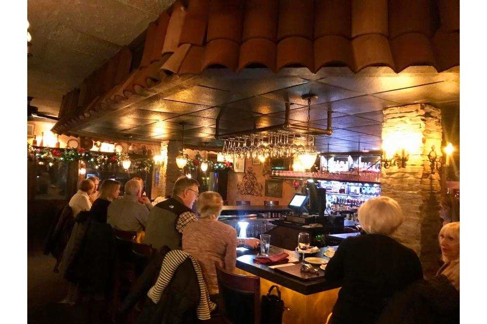 The Main Bar At Cafe Calamari