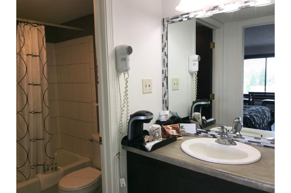 Bathroom & Vanity