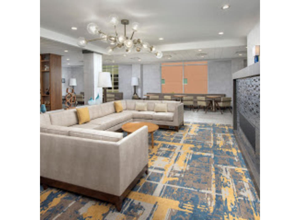 HGI Dobbs Ferry lobby seating