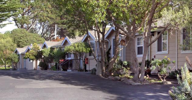 Pleasing Bide A Wee Inn Cottages Home Interior And Landscaping Ponolsignezvosmurscom