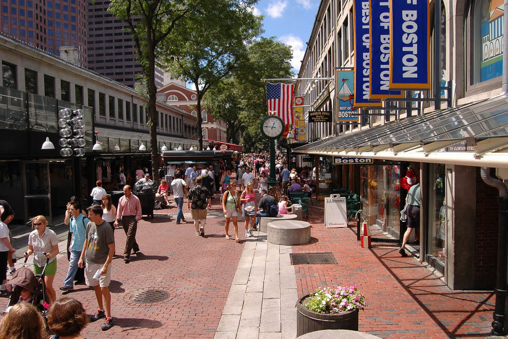 19e10489a4f24 Sunglass Hut   Watch Station- Faneuil Hall Marketplace