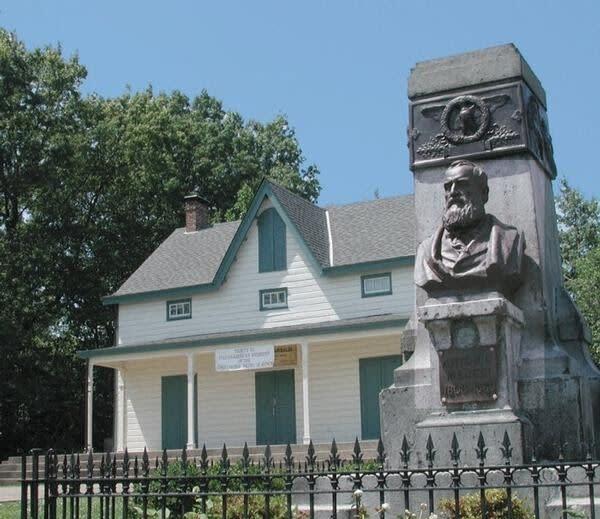 Staten Island, NY 10305