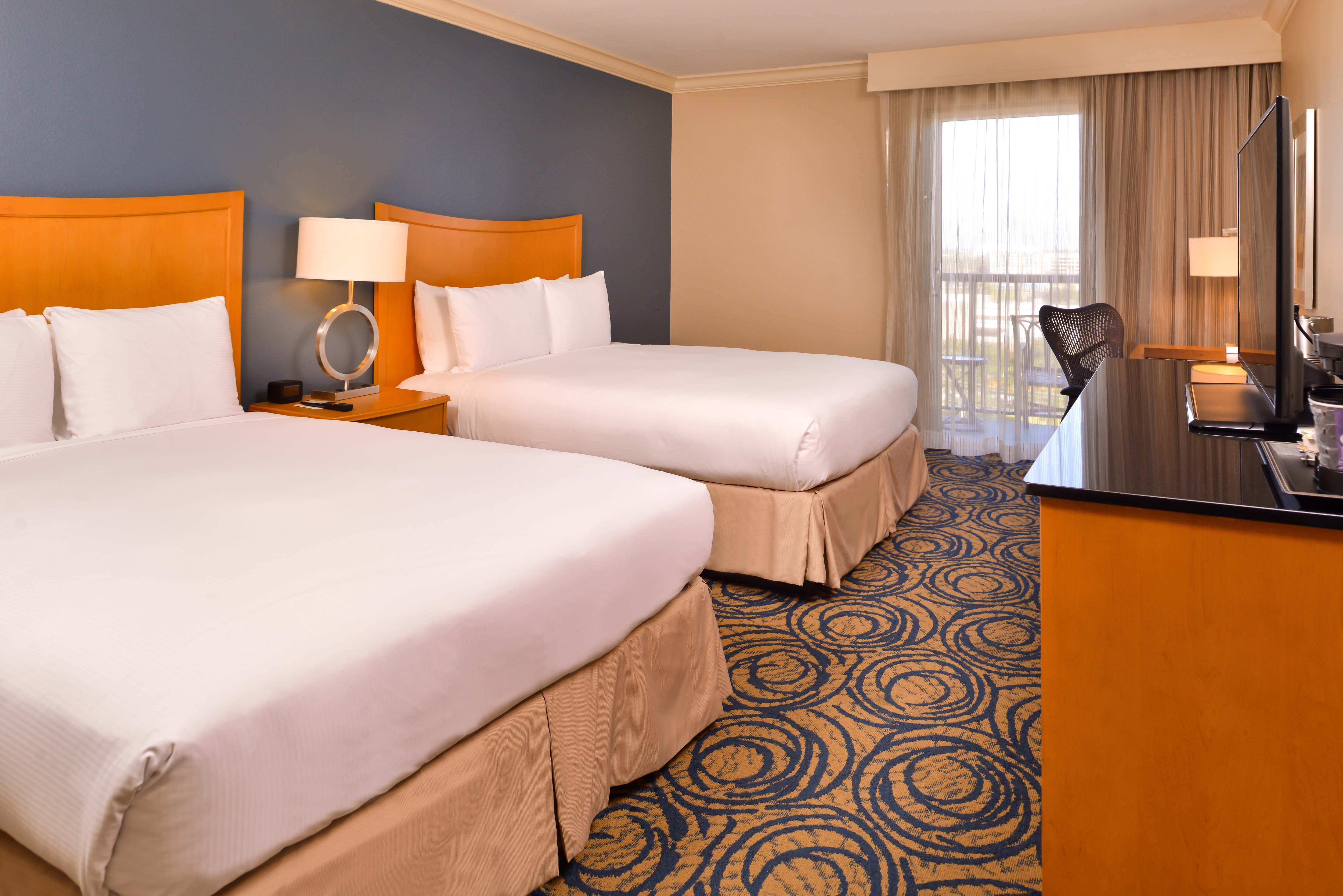 Breakfast & Wi-Fi at DoubleTree by Hilton Tampa Airport-Westshore