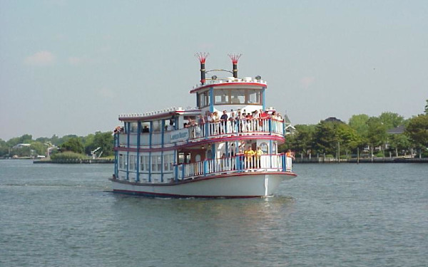 South Bay Paddlewheel Cruises-Lauren Kristy