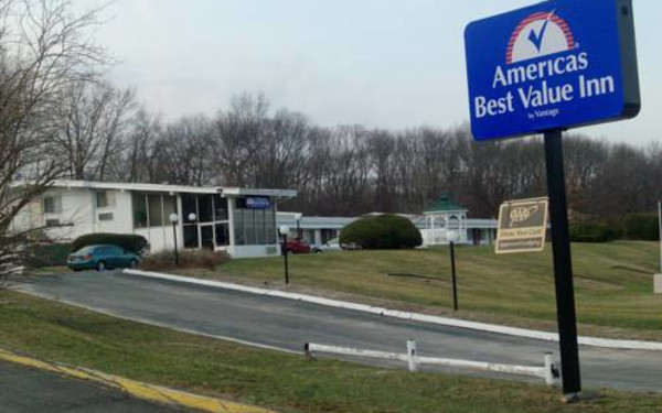 Americas Best Value Inn – Smithtown