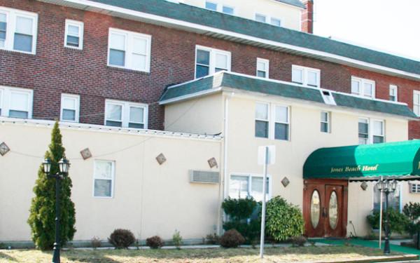 Jones Beach Hotel