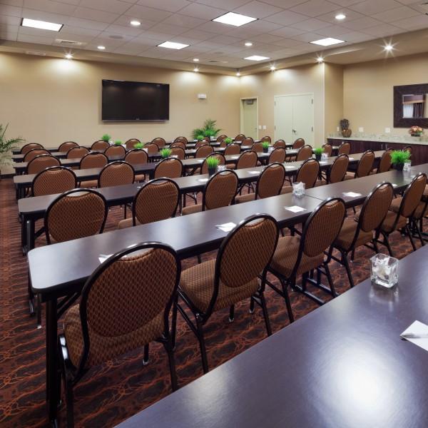 Classroom-Setup-4046df205056a36_4046e047-5056-a36a-071a7857d297a870.jpg