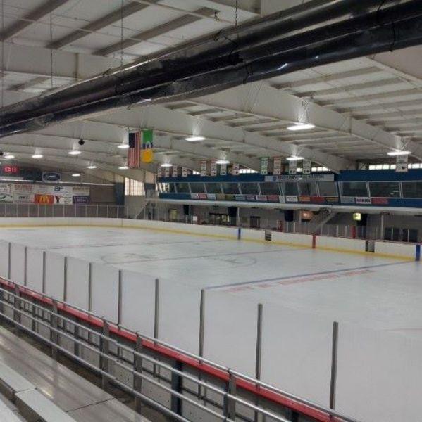 Edwards-Ice-Arena-d0610e025056a36_d061100a-5056-a36a-07b65a0b1512a15c.jpg