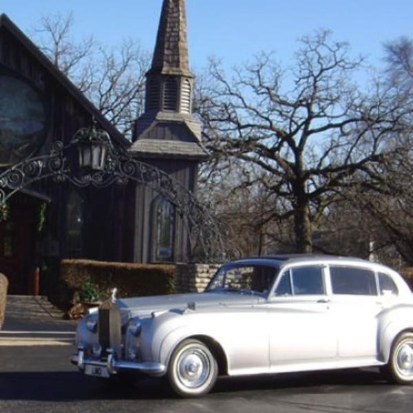 fantasy-limousine-1583c4025056a36_1583c54e-5056-a36a-07827e724ae45146.jpg