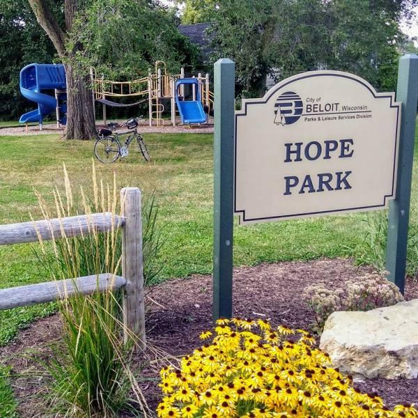 hope-park--d7e2b8cf5056a36_d7e2b9ae-5056-a36a-07a1b488765c16e5.jpg