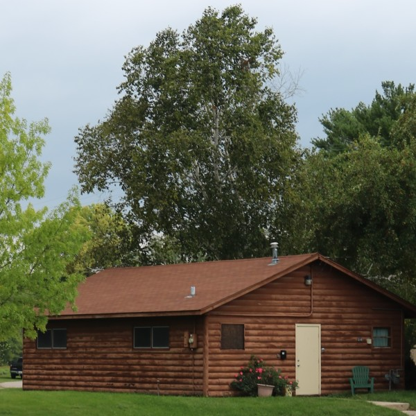 log-cabin-318-w-main-st-rockton-7122ebeb5056a36_7122ed1c-5056-a36a-07e710f185bb69a6.jpg