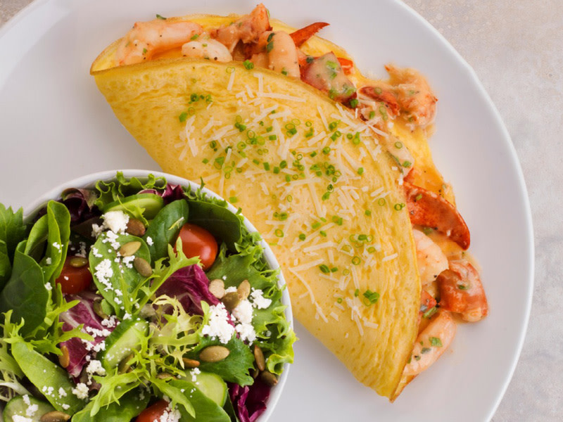 Earls-Restaurant-Brunch-Omelettes-Photo-courtesy-of-Earls-Restaurant