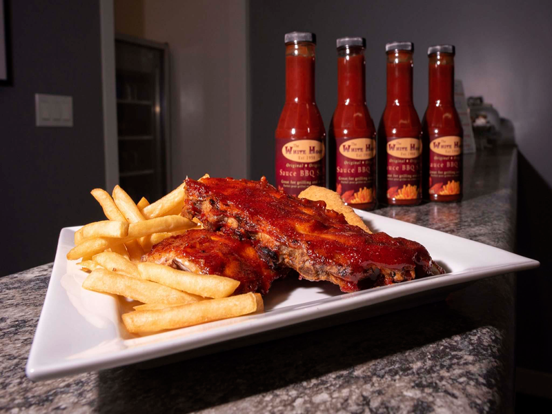 Jesse Boily/Winnipeg Free Press Homemade barbecue sauce at White House Ribs on Roblin Boulevard.