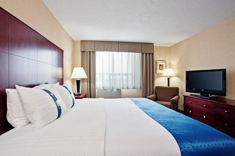 Traditional King guestroom equipped with triple sheeted bedding, pillow menu (soft & firm), 37'HD TV, Large Business Desk, Free WIFI, Fridge, Coffee maker, Hairdryer & Ironing Board.