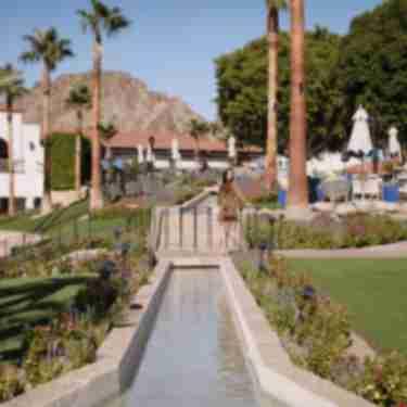 Women walking around at la quinta resort