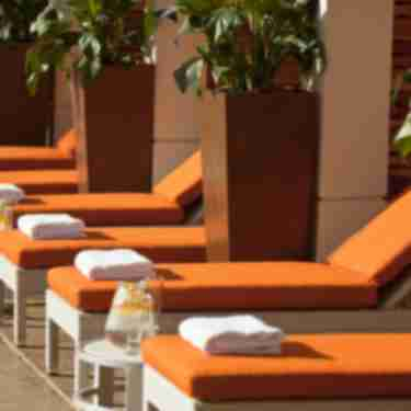 renaissance_palm_springs_hotel_poolside_cabanas_4365__hero