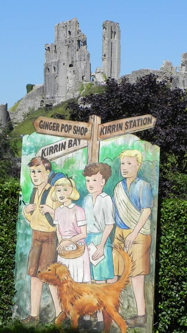 Painting of Enid Blyton's The Famous Five at Corfe Castle in Dorset