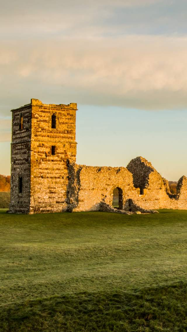 Photo of the exterior of Knowlton Church
