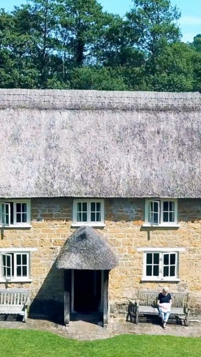 Enjoy a Dorset cottage holiday