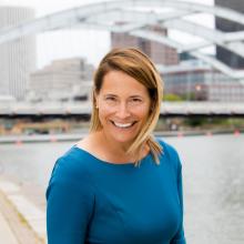 Elena Oyer 2019 Headshot