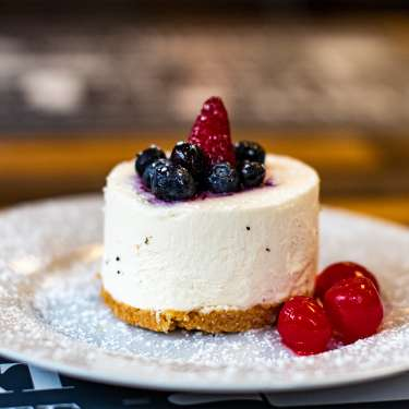 single-serving cheesecake from Madeleine's